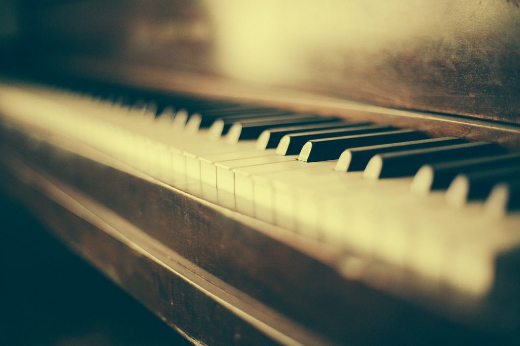 Valentin Rialland: Histoire de la musique