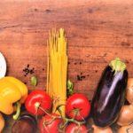 Cette cuisine est riche en fruits et légumes frais, pâtes et poissons