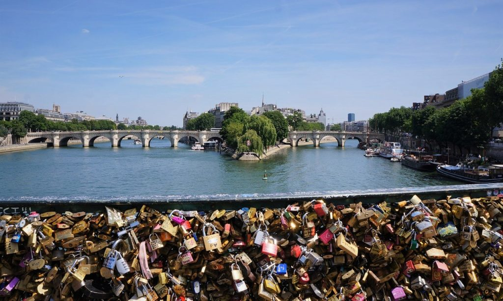 Pont des amoureux Paris Aissa Hamada